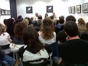 """Acte de presentació del llibre """"Del Cinccents al Setcents. Tres-cents anys de literatura catalana"""", el dia 2 de juny, a la Llibreria Proa Espais. La presentació va anar a càrrec del Dr. August Bover, el Dr. Albert Rossich, i la Dra. Eulàlia Miralles, curadora del llibre."""